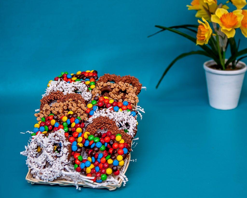 Chocolate Enrobed Pretzel Tray